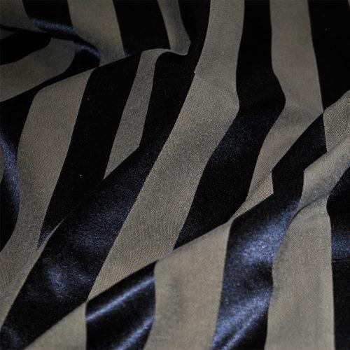 Beige Knight Stripe 120 126 132 Round